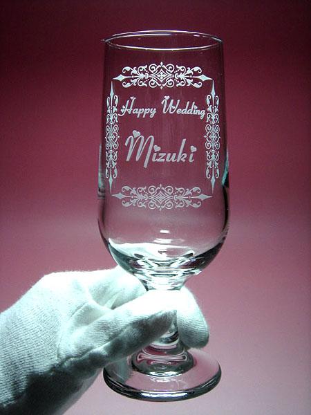 ご結婚祝いにエッチングの名入れ彫刻ペアグラス